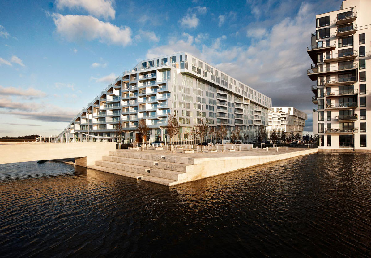 Big bjarke ingels group julien lanoo 8 house divisare for Big bjarke ingels group