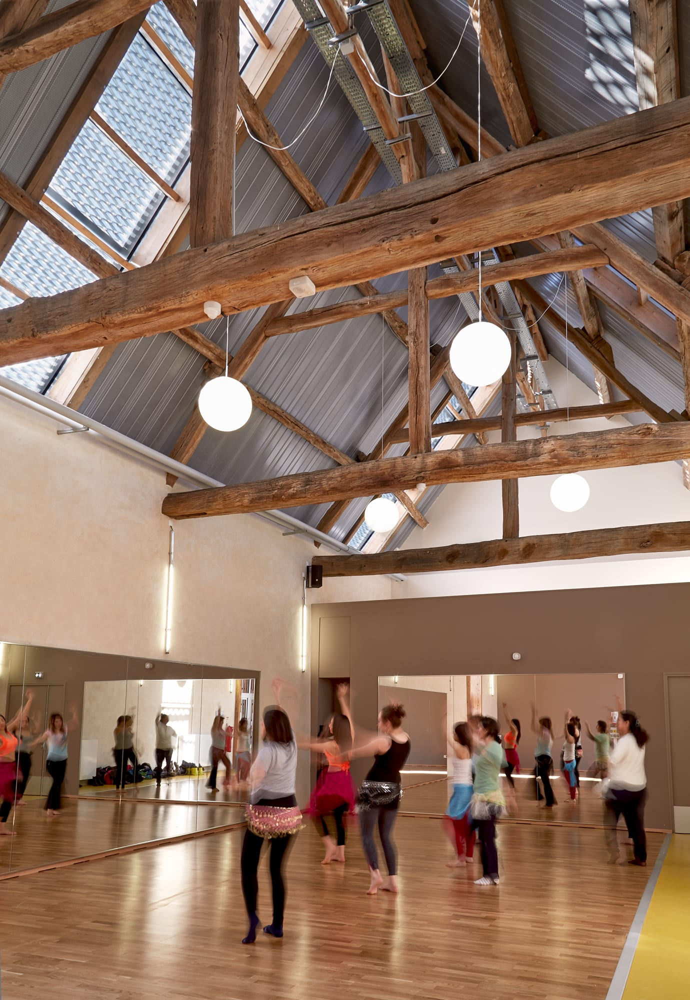 Gyms and sport halls a collection curated by divisare for Maison marne la vallee