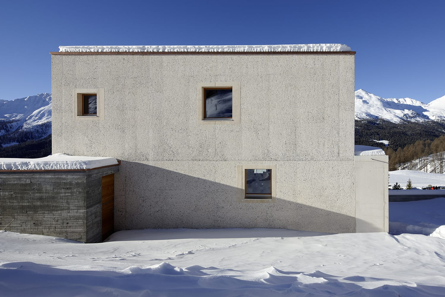 Single family houses a collection curated by divisare for Log casa architetti